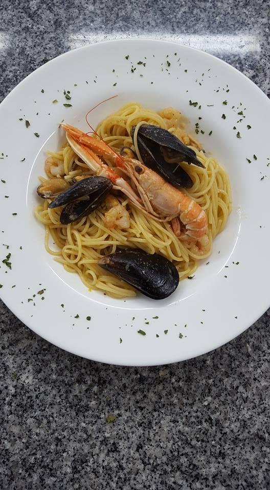 Fotografija Restaurant - Konoba DVOR.